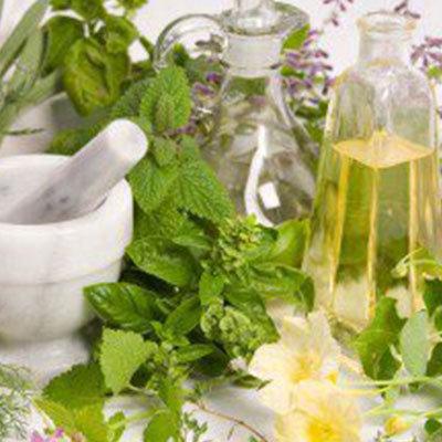 Huiles, vinaigres, condiments et fines herbes